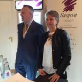 Anna Bartolini: gettonatissimo il banchetto dell'acqua Surgiva, brand della famiglia Lunelli proprietaria delle Cantine Ferrari